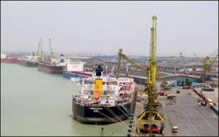 تخلیه همزمان هفت فروند کشتی در بندر امام خمینی (ره)